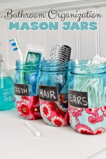 http://club.chicacircle.com/bathroom-organization-mason-jars/