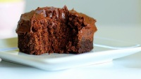 http://chocolatecoveredkatie.com/2011/11/06/one-minute-chocolate-cake/