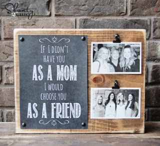 http://www.shanty-2-chic.com/2013/04/mothers-day-gift-free-printable.html